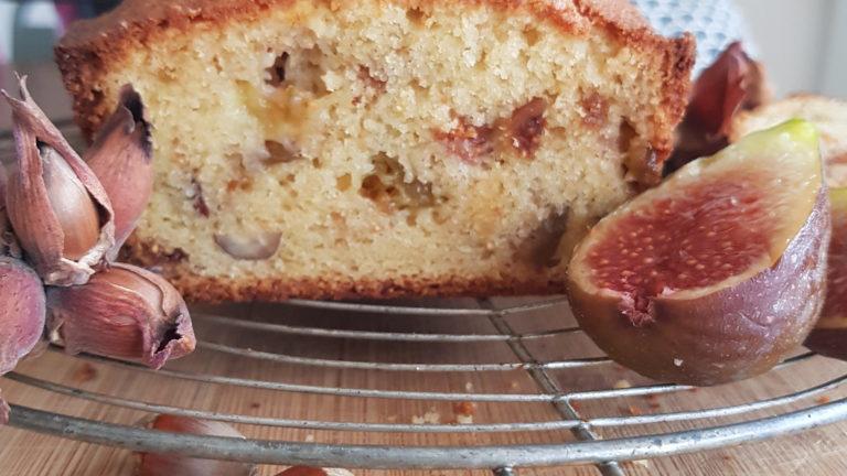 Cake aux figues et noisettes