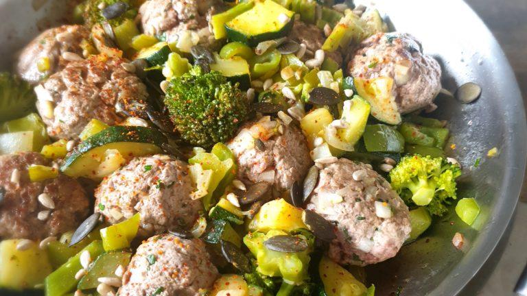 Poêlée de légumes et kefta